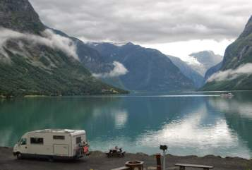 Hire a motorhome in Apeldoorn from private owners| Mobilvetta Freedom