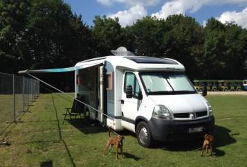 Hire a motorhome in Stuttgart from private owners| Knaus Pete