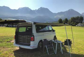 Hire a motorhome in Berchtesgaden from private owners| VW T6 California  Alpenbulli
