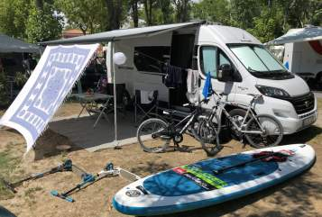 Hire a motorhome in Kassel from private owners| Sunlight  Sunny
