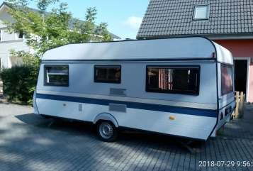 Hire a motorhome in Königs Wusterhausen from private owners| Hobby Familienwagen