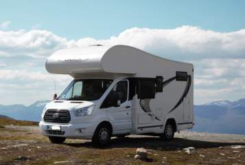 Hire a motorhome in Köln from private owners| Chausson Karl Ingo