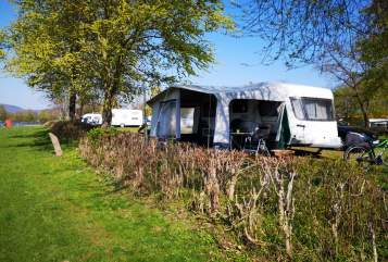Hire a motorhome in Warburg from private owners| Chateau  Charly Chateau