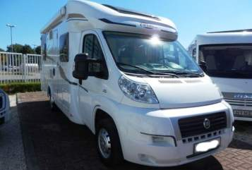 Hire a motorhome in Preetz from private owners| Carado Louann