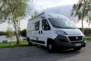 Hire a motorhome in Aschaffenburg from private owners| Weinsberg Dorothea
