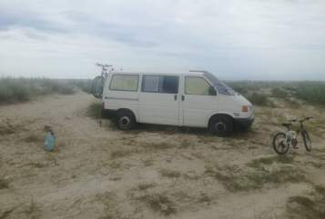Hire a motorhome in Wien from private owners| Volkswagen Tucka Tucka
