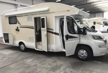 Hire a motorhome in Ludwigshafen am Rhein from private owners| Fiat  Alaska