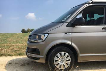 Hire a motorhome in Stuttgart from private owners| VW T6  roadrunner
