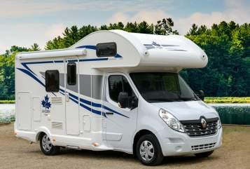 Hire a motorhome in Stuttgart from private owners| Ahorn Schwoabacamper