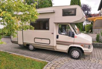 Hire a motorhome in Augsburg from private owners| Fiat CrocodileDundee