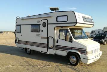 Hire a motorhome in Meyn from private owners| Peugeot Snoopy-Mobil
