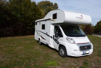 Hire a motorhome in Königheim from private owners| Sunlight Roadrunner