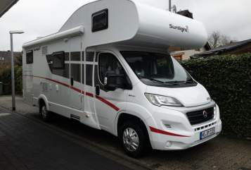 Hire a motorhome in Dormagen from private owners  Sunlight Flip