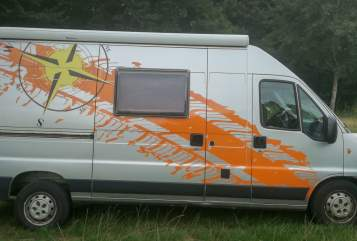 Hire a motorhome in Marl from private owners  Weinsberg Cosmos 551 K Bussi