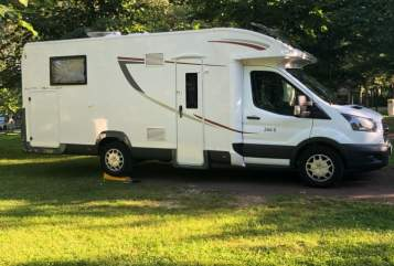 Hire a motorhome in Buxtehude from private owners| Roller Team Jaqueline