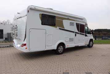 Hire a motorhome in Wiehl from private owners| Carado Knokke T449(2)