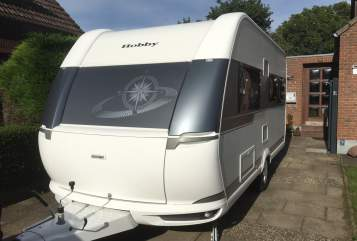 Hire a motorhome in Fehmarn from private owners| Hobby Elli Pirelli