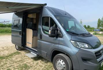 Hire a motorhome in Hallbergmoos from private owners| Clever CleverTour