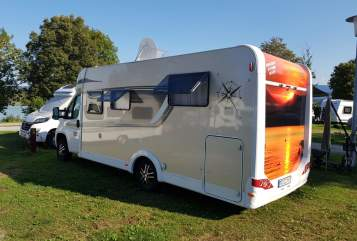 Hire a motorhome in Limburgerhof from private owners  Carado Carlo