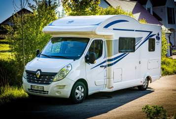 Hire a motorhome in Wolnzach from private owners  Ahorn Ahörnchen 2019