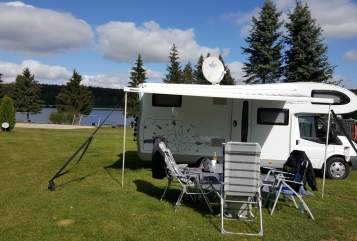Hire a motorhome in Zwenkau from private owners| Ford Womi