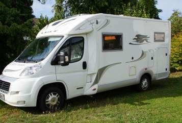Hire a motorhome in Lichtenau from private owners| Laika Rumtreiber