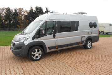 Hire a motorhome in Verl from private owners| Carthago Carthago Malibu