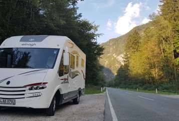Hire a motorhome in Berlin from private owners| elnagh BAB-Relax