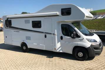 Hire a motorhome in Teublitz from private owners| Weinsberg Weinsberg 700DG