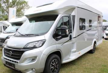 Hire a motorhome in Schkeuditz from private owners| Dethleffs  Nala