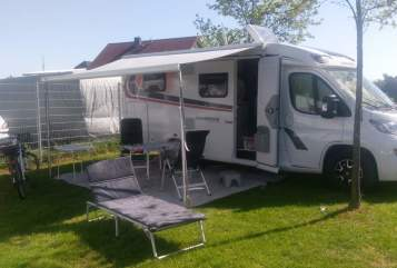 Hire a motorhome in Hattersheim am Main from private owners| Weisberg Pepper