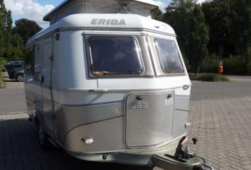 Hire a motorhome in Barmstedt from private owners| Hymer Eriba Muckelchen