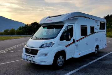 Hire a motorhome in Fellbach from private owners| Dethleffs  Surfi - BJ 2018