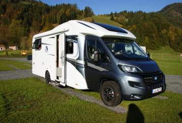 Hire a motorhome in Landshut from private owners| Knaus BroMo