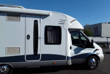 Hire a motorhome in Elsdorf from private owners| Ford Transit Reisetraum