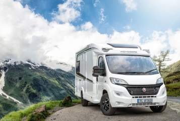 Hire a motorhome in Spenge from private owners| Weinsberg CaraSuite 2019