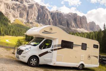 Hire a motorhome in Frankenthal (Pfalz) from private owners| Ahorn Canada AS Urlaubskutsche
