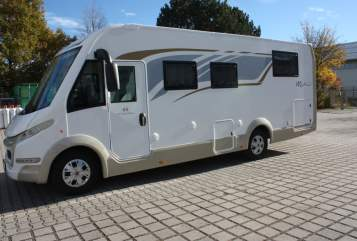 Hire a motorhome in Tittmoning from private owners| CIA 8   Fiat Luxus