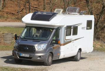 Hire a motorhome in Radolfzell am Bodensee from private owners| Trigano Knox