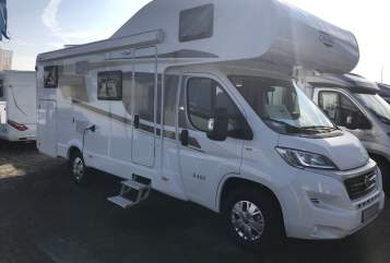 Hire a motorhome in Leverkusen from private owners| Carado  Mobilix