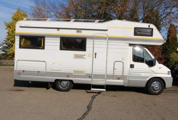 Hire a motorhome in Schwanstetten from private owners  Fiat WoMo