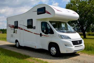 Hire a motorhome in Vught from private owners| Rimor 2017 camper !!