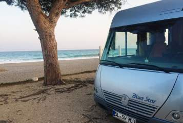 Hire a motorhome in Scheggerott from private owners| RMB Bluestar ***** auf Mercedes Benz RMB Luxusliner