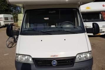 Hire a motorhome in Haaften from private owners| Fiat 230 Met de camper