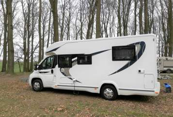 Hire a motorhome in Seligenstadt from private owners| Chausson Lotte