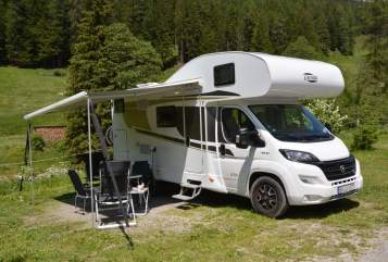 Hire a motorhome in Sindelfingen from private owners| Carado Carado A 361