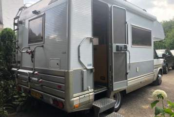 Hire a motorhome in Sprundel from private owners| Ford  Ford Laika VIP