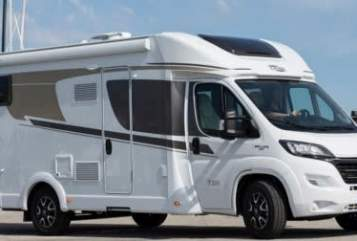 Hire a motorhome in Bad Zwischenahn from private owners| Carado T 448