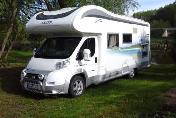 Hire a motorhome in Bad Dürrenberg from private owners| Elnagh Camperglück