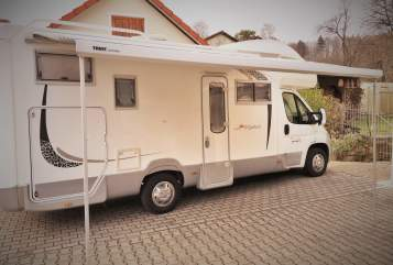 Hire a motorhome in Illschwang from private owners| Roller Team Ebbo